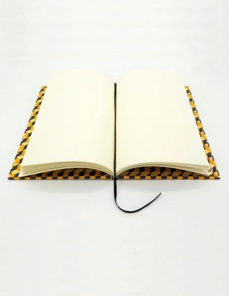 Quaderno cartonato cubi giallo nero Grafiche Tassotti vista pagine interne