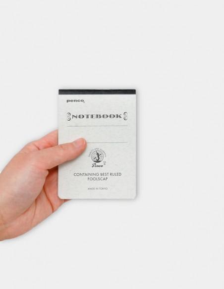 Taccuino protocollo Notebook penco A7 le proporzioni in una mano