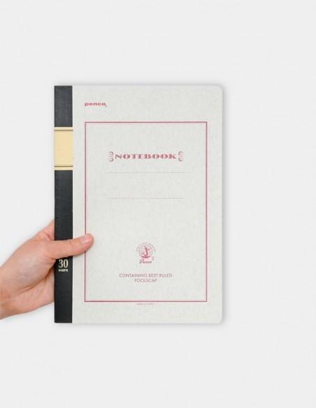 Quaderno protocollo Notebook penco B5 colore vista frontale delle proporzioni rispetto alla mano