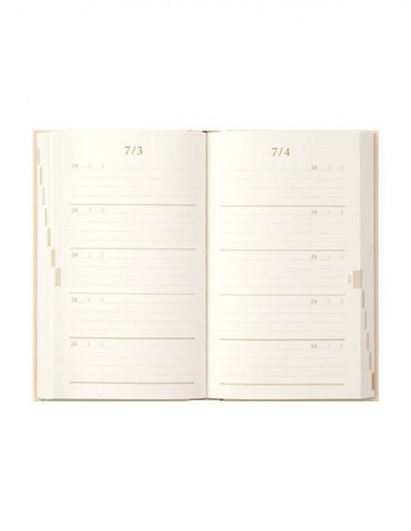 Diario Midori 5 anni con copertina ricamata colore beige, vista delle pagine interne