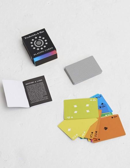 Mazzo di carte da gioco francesi arcobaleno di design contenuto