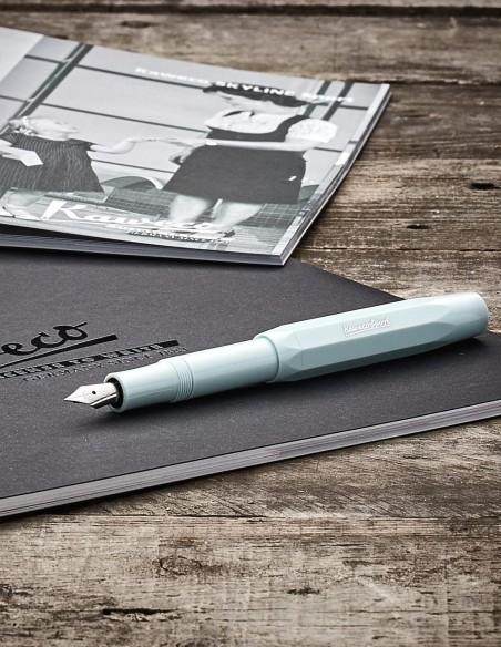 Penna Stilografica Skyline Sport Kaweco colore mint - ambientazione