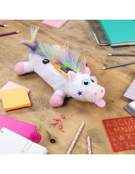 astuccio grande peluche unicorno RAINBOW UNICORN WHITE ambientazione su scrivania